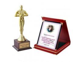 Yılın En İyi Annesi Oscar Ödülü ve Başarı Plaketi