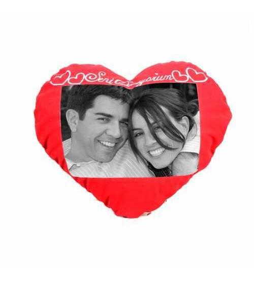 Romantik Kalpli Kırmızı Yastık